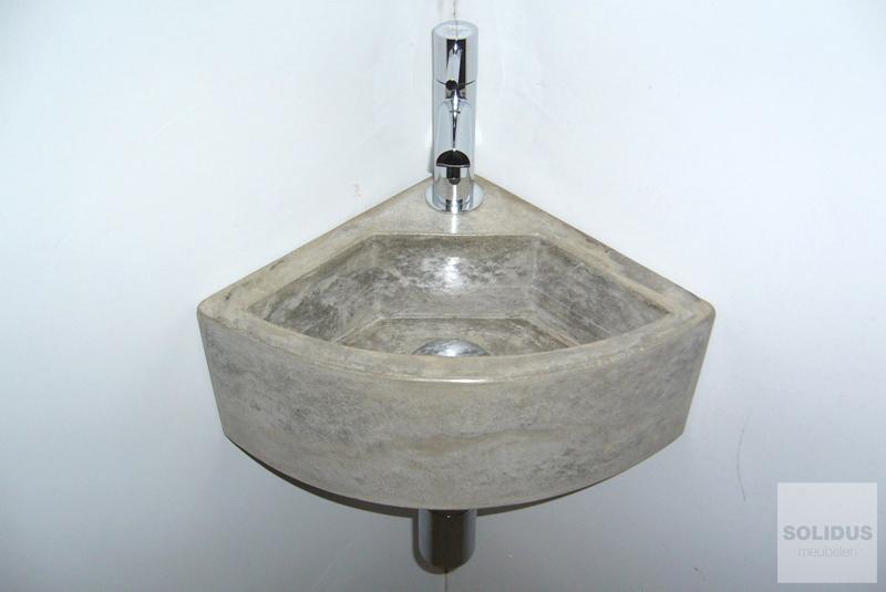 Toiletfonteinen van beton_2hoekfontein klein beton grijs maatwerk